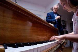 12-Year-Old Piano Prodigy Creates Beauty From Four Randomly Chosen Notes 12