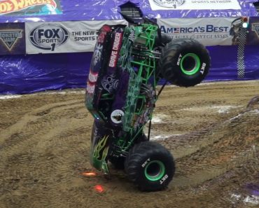 Daredevil Grave Digger Driver Smashes Record With Incredible Monster Truck Nose Wheelie 6
