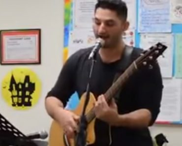 Dude Shocks The Elderly When He Performs Uncensored Cover Of 'My Neck, My Back' At Senior Home 2