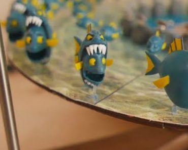 An Amazing Handmade 3D Zoetrope Featuring Fish With Giant Teeth Endlessly Eating Other Fish 8