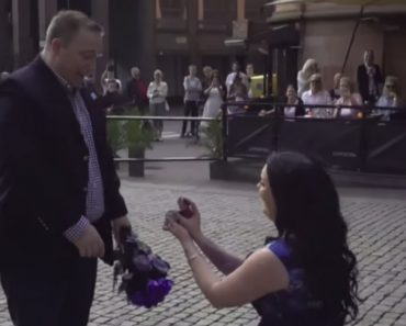 Swedish Woman Surprises Her Boyfriend With A Cute Flash Mob Proposal 7