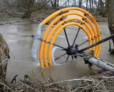 Here's How You Can Pump Water From A River Without Using Electricity 3