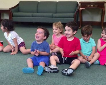 Little Boy's Contagious Laugh In Music Class Will Brighten Your Day 3