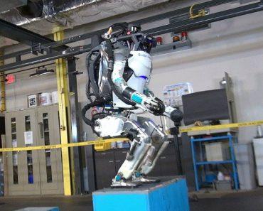 Watch Boston Dynamics Atlas Robot Nail a Backflip 5