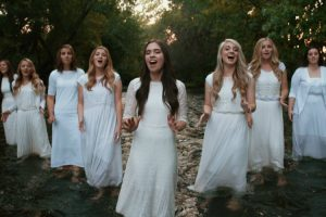 This All-Female A Cappella Rendition Of 'Amazing Grace' Will Give You Goosebumps 9