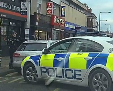 Police Officer Blocks Busy Street Performing A 10-Point Turn 5