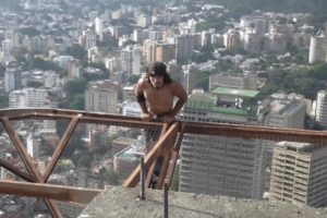 Caracas Man Exercises By Dangling From 60 Story Buildings 12