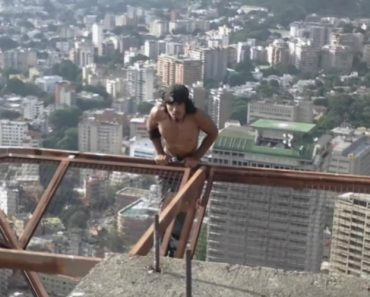 Caracas Man Exercises By Dangling From 60 Story Buildings 5
