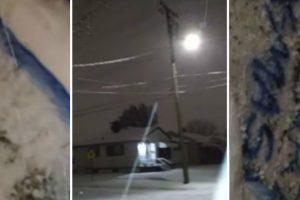 Guy Plays Dirty Christmas Snow Shaft Prank On His Sister 11