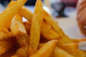 Police Arrest A Woman For Taking Fries Off The Plate Of Cop Who Bought It For $3.29! 10