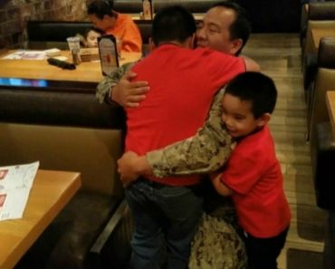 8-Year-Old Boy Cries As Navy Dad Surprises Him at Restaurant 7