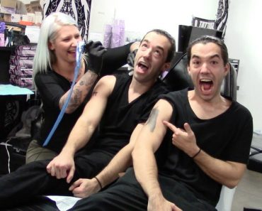 Twin Brothers Prank Tattoo Artist And Everyone Falls For It 4