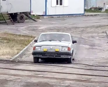 Russians Show How To Save On Gas To Go To Work 4
