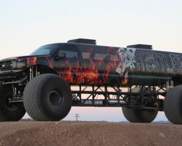 """Take a Look At The World's Longest Monster Truck – $1M """"Sin City Hustler"""" 7"""