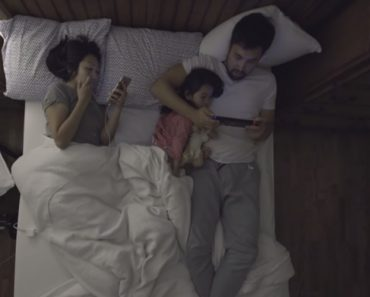 Several Couples Open Up About Sleeping In The Same Bed With Their Partner, Pets And Children 2