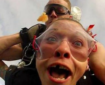 Hilarious Moment Girl Loses False TEETH While On A Skydive 2