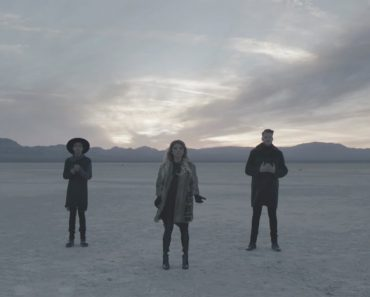 "Supergroup Pentatonix's Chilling A Capella Spin On ""Hallelujah"" Is Strikingly Beautiful 9"