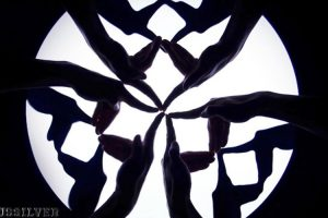 A Dance Crew Trio Performs a Mesmerizing Finger Kaleidoscope Dance Using Their 30 Fingers 10