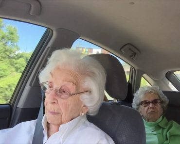 Two Elderly Sisters Hilariously Bicker While Giving Directions 2