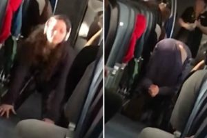 Yoga Enthusiast Performs A Full Routine For Plane Passengers On A Crowded Flight 11