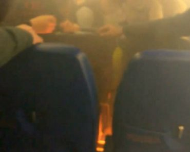 Passengers Evacuated After Phone Charger Catches Fire Aboard Plane 1
