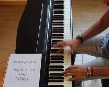 Musician Plays the Top Piano Riffs of Jazz Tunes From 1899 to 1964 in 100 Seconds 5