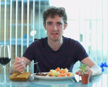 Hilarious Cooking Video Shows You What It's Really Like To Be An Amateur Cook 6