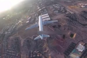 Drone Footage Catches Near-Miss With An Airliner Over Las Vegas 12