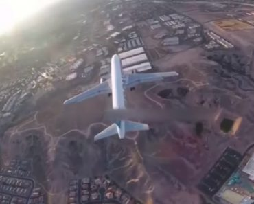 Drone Footage Catches Near-Miss With An Airliner Over Las Vegas 5