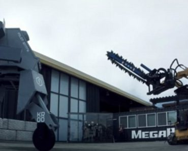Testing Real Giant Robot Weapons 4