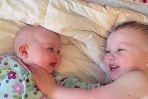 His Baby Sister Started Crying, So He Did The Perfect Thing To Calm Her Down 10