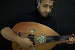 A Haunting Acoustic Cover Of The Interstellar Theme Played Beautifully On A Traditional Oud 11