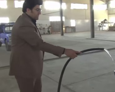 """Iranian Scientist Takes His """"Water-Powered Car"""" For A Spin 5"""