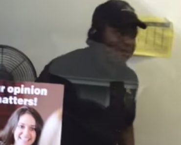 McDonald's Worker Panics Hilariously At Sight Of Spider 9