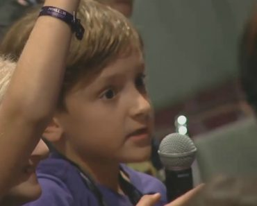 Kid At Minecraft Convention Wants Answer For Question We All Must Ponder 9