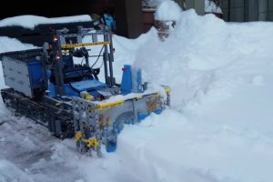 A Functioning Snow Blower Made Out of LEGO 11