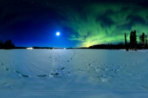 A Stunning 360° 8K Timelapse Of The Northern Lights Dancing Under The Super Blue Blood Moon 12