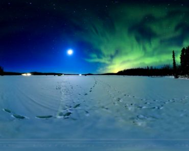 A Stunning 360° 8K Timelapse Of The Northern Lights Dancing Under The Super Blue Blood Moon 7