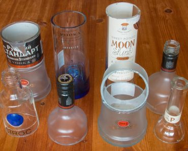 """How To Cut A Glass Bottle In Half """"5 Ways To Do It"""" 1"""