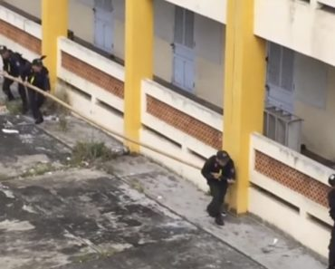 Vietnamese Tactical Team Has A Weird (And Totally Baller) Way To Scale Buildings 7