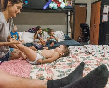 Photographer Documents Life of Family Living in Homeless Shelter 1