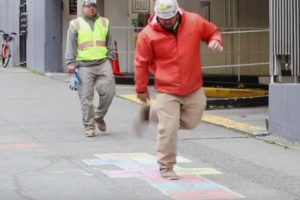 Secret Camera Captures Random People On The Street Playing Hopscotch, And It's Delightful 12