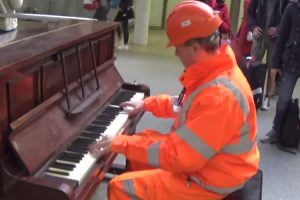 Workman Stuns Audience With His Piano Skills 10