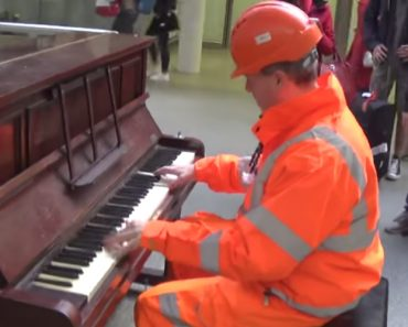 Workman Stuns Audience With His Piano Skills 8