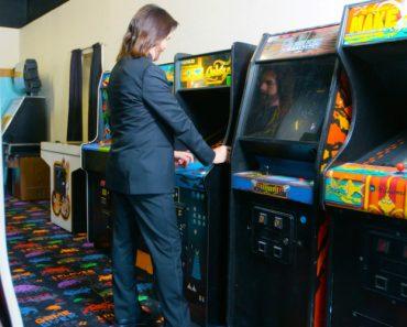 Gamer of the Century: Meet the 'Pac-Man' Champion 1