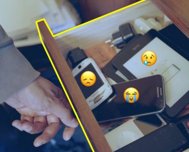 Why Your Old Phones Collect in a Junk Drawer of Sadness 3