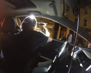 Driver Catches Cop Breaking the Law and Lying to His Face with His Dashcam 8