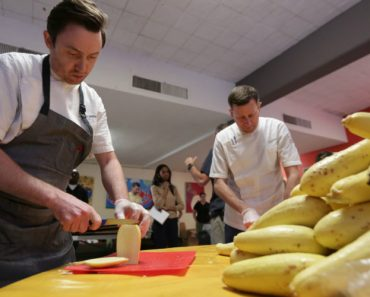 "Food Too ""Ugly"" to Sell Becomes a Feast for 5,000 People 4"