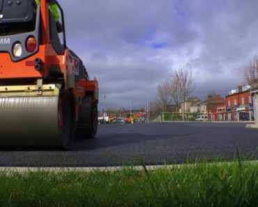 Can Plastic Roads Help Save The Planet? 4