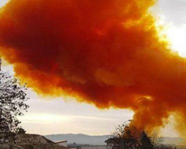 Chemical Plant Explodes With Reddish-Orange Color Smoke 3